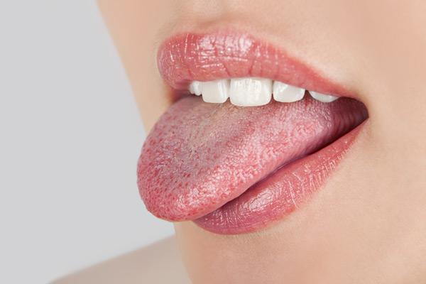 Твердый шанкр на слизистой полости рта проявляется